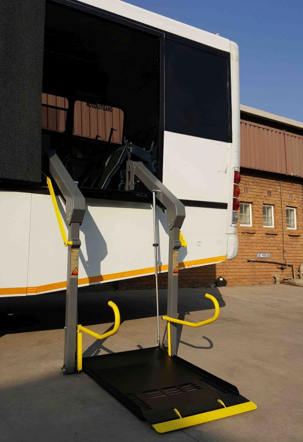 Double Arm Wheelchair Lift